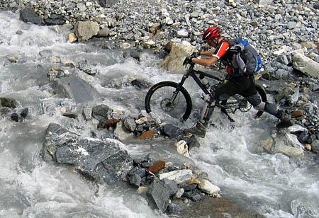 Bachquerung im Val Zebru